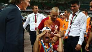 Wesley Sneijder'den insanlık dersi!