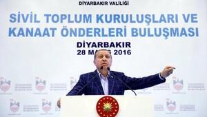 Erdoğan: Bizimle NATO'da beraber olanlar, askerini YPG'nin işaretleriyle Suriye'ye gönderemez (2)