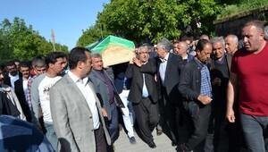 Meclis Başkanı İsmail Kahraman, Ahlatta cenazeye katıldı