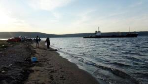 Karaya oturan atık alma gemisi kurtarıldı