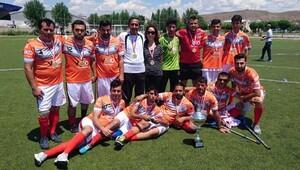 Şampiyonluk kupası sevinci