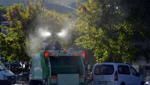 Adilcevaz'de cadde ve sokaklara gül suyu sıkıldı