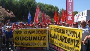 DİSK üyeleri, 15-16 Haziran grevlerinin yıl dönümünde bir araya geldi