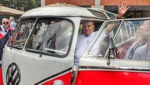 50 yıl sonra yeniden aynı minibüste buluştular