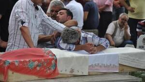 Kazada ölen kız kardeşler, gözyaşlarıyla toprağa verildi