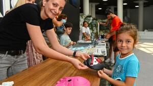 Çocuklar, Expo 2016'da ebru yapmayı öğreniyor