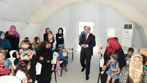 Vali Demirtaştan Suriyelilere bayram ziyareti