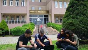 Mersin'deki parklarda kablosuz internet hizmeti