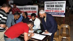 Fethullah Gülen'in maketini astılar