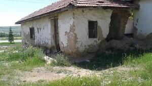 Kırşehir polisi metruk binaları yıktırıyor
