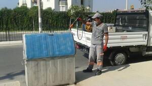 Çöp konteynerlerine temizlik