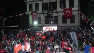 Atatürk Evi önünde 'Demokrasi nöbeti'