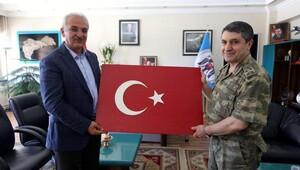 Korgeneral Bayraktaroğlu, Başkan Başsoy'a veda etti