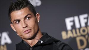 Ronaldo sözleşme imzaladı! Arkadaşı açıkladı...