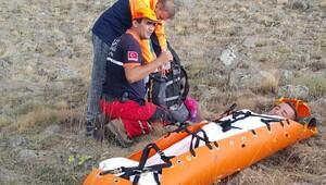 20 metre yükseklikten düşen dağcı, AFAD ekipleri kurtardı