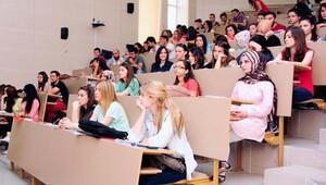 CBÜ yeni öğrencilerini karşılayacak