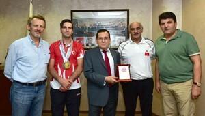 TTSO'dan şampiyon sporcu ve hocasına ödül