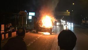 Dehşet anları: Bursa'da işçi dolu servis alev alev yandı