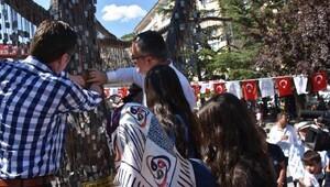Kızılcahamam'da Şehit Ağacı'na demokrasi şehitlerinin künyeleri çakıldı
