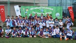 Ortahisar Belediyesi'nin Yaz Futbol Okulu sona erdi
