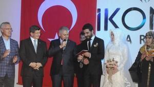 Başbakan Yıldırım, Konya'da nikah şahitliği yaptı