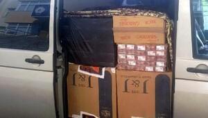 Polisin yol kontrolünde 21 bin 600 paket kaçak sigara ele geçirildi
