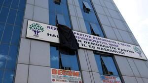 HDP, Van'da Gaziantep için binasına siyah bez astı