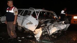 Isparta'da otomobiller çarpıştı: 12 yaralı