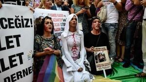 Beyoğlu'da Hande Kader için eylem