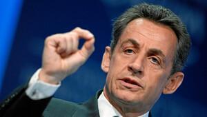 Sarkozy adaylığını açıkladı
