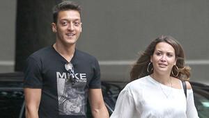 Mesut ile Mandy, birbirlerinden kopamadılar