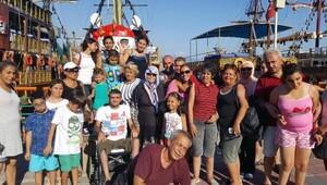 Büyükşehirden engellilere Antalya gezisi