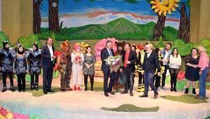 Başkan Karalar'a tiyatro ödülü