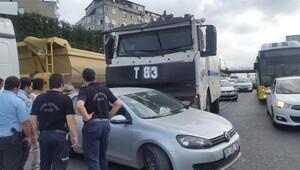 TOMA, D-100'de otomobile çarptı