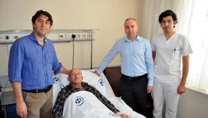 İkiye böldükleri karaciğeri vücutta büyütüp hastayı kurtardılar