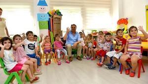 Başkan Uysal çocuklara misafir oldu