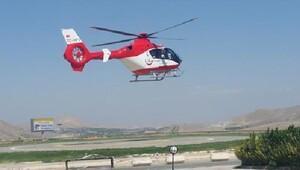 Kazada yaralanan sürücü, helikopterle Malatya'ya götürüldü