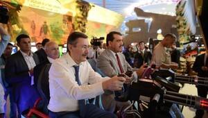 Başkan Gökçek, Katar heyetine projeleri gezdirdi
