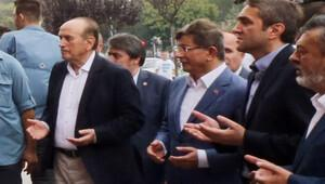 Eski Başbakan Davutoğlu'ndan İBB Başkanı Topbaş'a ziyaret