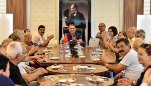Muhtarlar gezi anılarını Başkan Uysal'la paylaştı