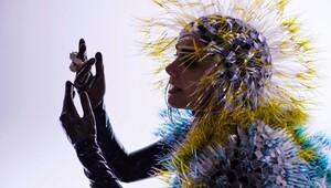 Björk'ün Sanal Gerçeklik Video Sergisi Montreal'de