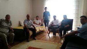 Şehit ve gazi ailelerinden, yaralı askere geçmiş olsun ziyareti