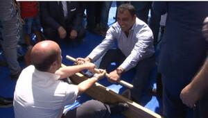Bilal Erdoğan ve Hamza Yerlikaya güreş tuttu