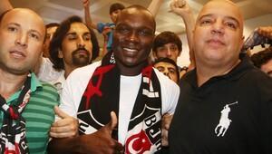 Kartal'ın yeni golcüsü İstanbul'da izdiham yarattı