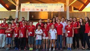 Genç milli satranç sporcuları Türk bayrağını Prag'da dalgalandırdı