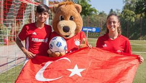 Trabzonlu Ceren ile Urfalı Ahmet Bayern'e karşı