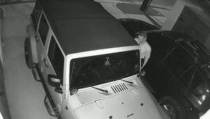 Hırsızlar Jeep'i çalmak için özel yazılım kullanıyorlar