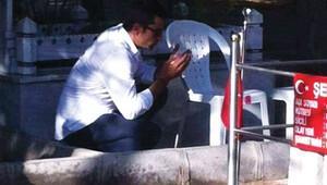 Kenan İmirzalıoğlu, Şehit Ömer Halisdemirin kabrini ziyaret etti