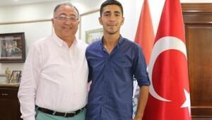 Kılıçdaroğlu'na saldırıda yaralanan er Kaya, Başkan Salmanı ziyaret etti