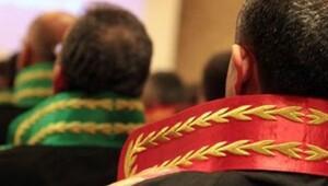 956 hâkim ve savcı mesleğe kabul edildi, 1418 hakim ve savcının yeri değişti